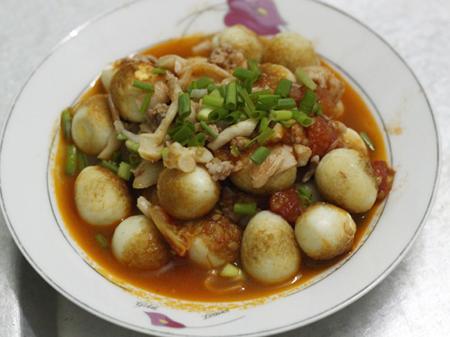 trứng cút om nấm