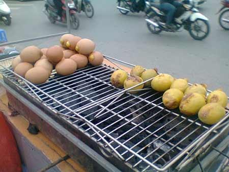 trứng gà thái lan