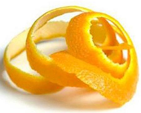 Sau khi ăn cam, chanh hay quýt, bạn đừng vứt vỏ (hay lá) của chúng đi vì họ hàng các loài cây này có khả năng tạo hương rất tốt