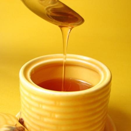 Mẹo làm đẹp từ mật ong