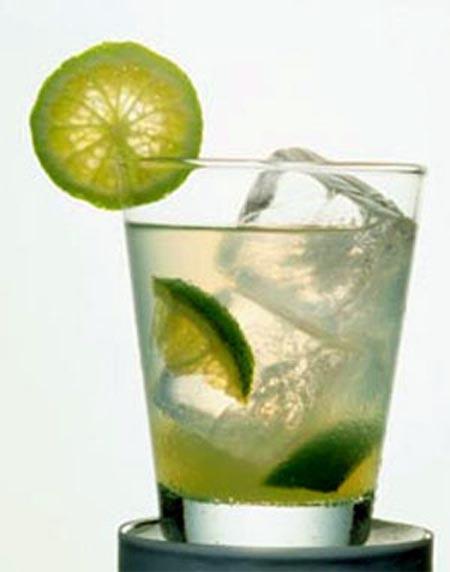 8 loại nước rau quả giải rượu tốt nhất ngày Tết