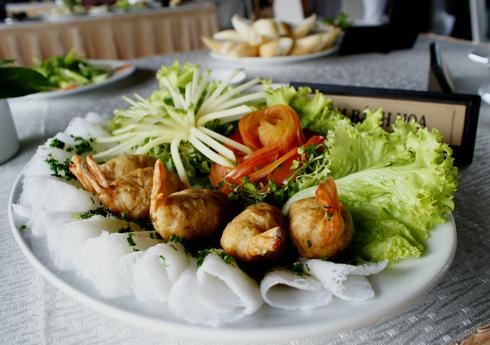 Thuc don tiec cuoi chong beo phi