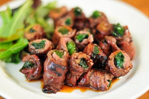 Thịt bò cuốn hành nhìn chảy nước miếng, Bếp Eva, Thịt bò cuốn, thịt bò cuốn hành, thit bo cuon la lot, mon ngon de lam, thit bo, bao phu nu, bep eva