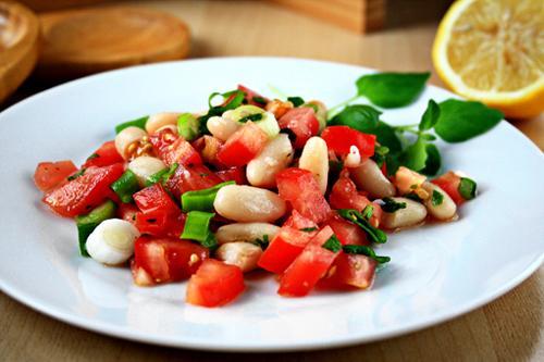 Đầu tuần nhâm nhi salad cà chua đậu - 1