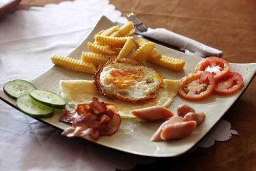 Bữa sáng đặc biệt ở một nhà hàng trên phố Trương Công Định.