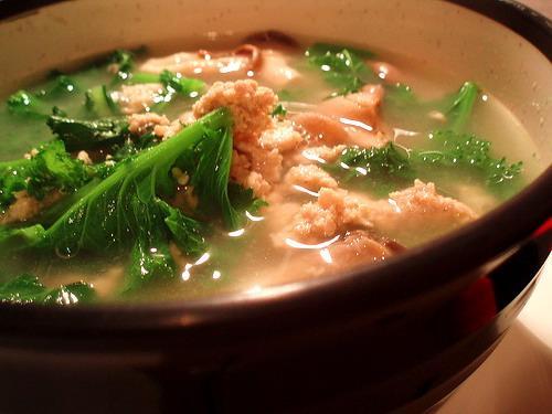 Canh thịt bò nấu cải xanh