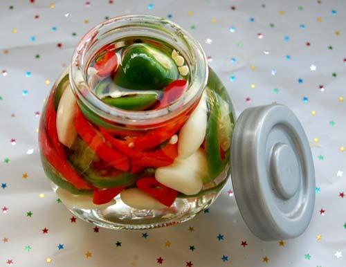 Nấu ăn: Dấm tỏi ớt quá ngon để ăn dần
