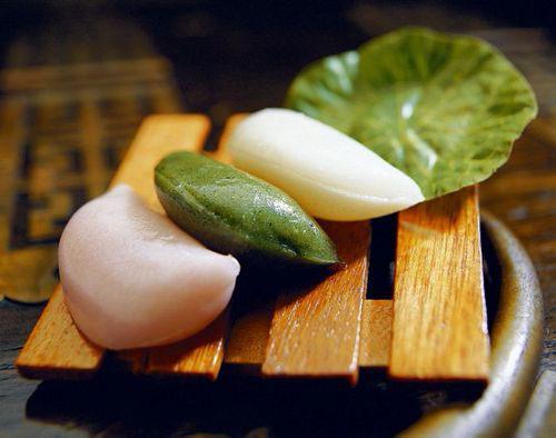 songpyeon (banh gao hinh ban nguyet)