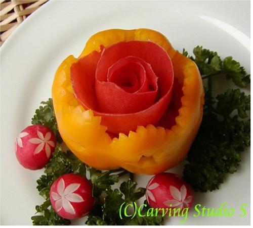 Khéo tay vẽ hoa với rau củ