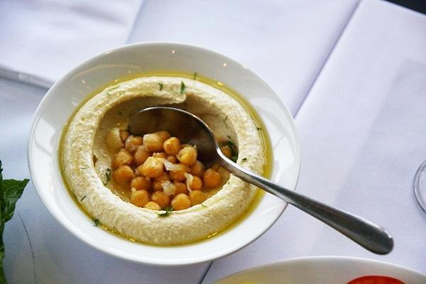 Món sốt kem đậu truyền thống của người Qatar. Món này dù hơi chua nhưng vẫn còn khá dễ ăn và được nhiều du khách ngoại quốc yêu thích.