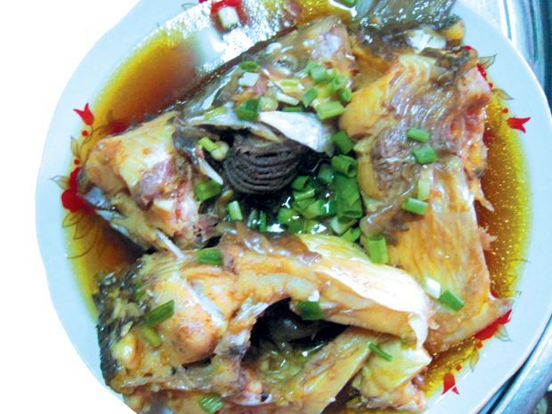 Thưởng thức món canh chua cá cóc