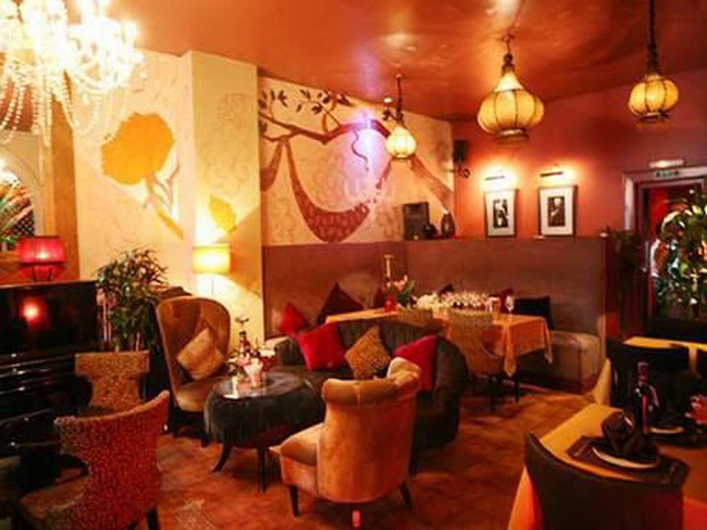 6 quán cà phê lãng mạn cho noel tại Sài Gòn - 4