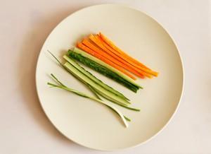 Gà cuộn rau củ đẹp mắt ngon miệng 2