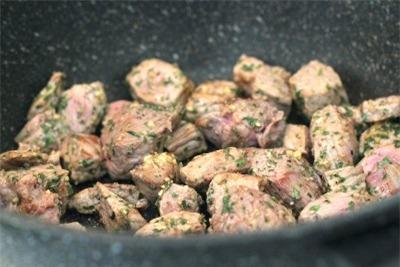Công thức bò hầm đặc biệt thơm lừng gian bếp 3