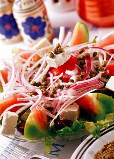"""""""An hoa"""" dang sau mon salad"""
