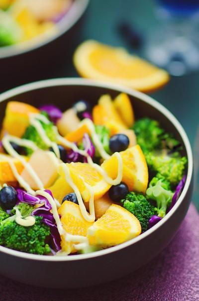 Salad rau quả làm nhanh ăn ngon mà bắt mắt - 0h ngày 25/7 18