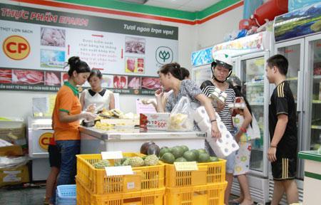 Cửa hàng thực phẩm sạch trên phố Phan Văn Trường, Cầu Giấy, Hà Nội Ảnh: Hoàng Nam
