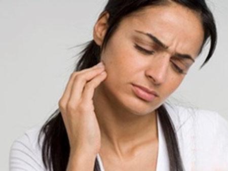 3 thói quen nhai gây hại cho sức khoẻ