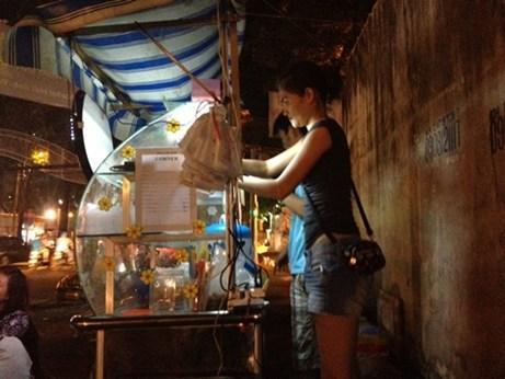 """4 quán trà chanh vỉa hè """"chém gió"""" của sao Việt 6"""