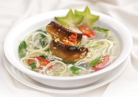 Canh lươn nấu bắp chuối hột