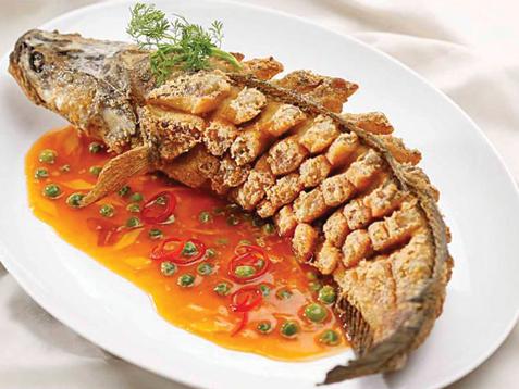 Món ngon mỗi ngày - Cá lóc chiên xốt mận
