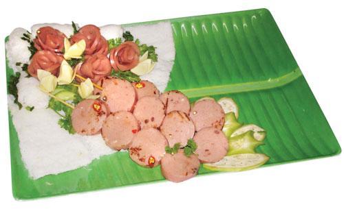 Bánh hỏi cuộn nem chua nướng - amthuc365.vn