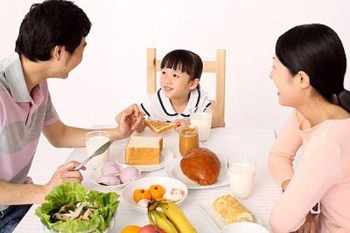 """Bữa sáng cho bé: Ăn sai là """"hỏng"""" - 1"""