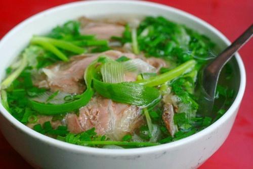 Phở không chỉ là món ăn mà bao người Việt thích thú, người nước ngoài họ cũng say mê phở như chính những món ăn họ thưởng thức hàng ngày (Ảnh: Internet)