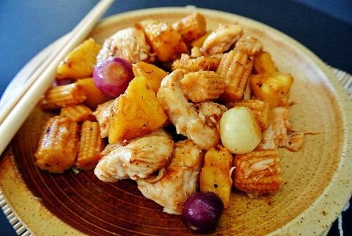 Thịt gà xào dứa thơm nức 7