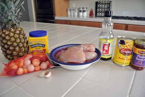 Thịt gà xào dứa thơm nức 1