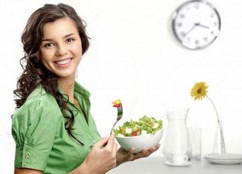12 thói quen ăn uống có lợi cho sức khỏe, Sức khỏe đời sống, An uong co loi cho suc khoe, thoi quen an uong don gian, bi quyet song khoe, an toi, dung nuoc nong, thuc pham chua chat xo, suc khoe, bao
