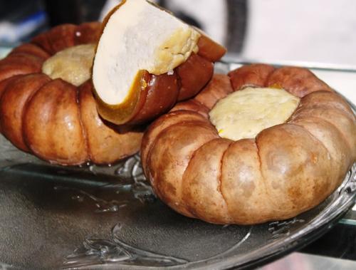 Bí hấp nhân trứng, một thành phần rất lạ trong món chè thập cẩm của xứ chùa Tháp.