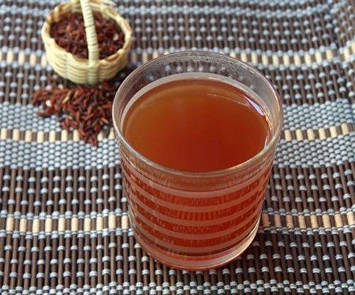 Gạo lứt rang và đun nước uống có tác dụng thanh lọc gan rất tốt, có thể uống như thay nước lọc hàng ngày.