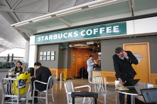 Starbucks dùng nước trong nhà vệ sinh pha đồ uống
