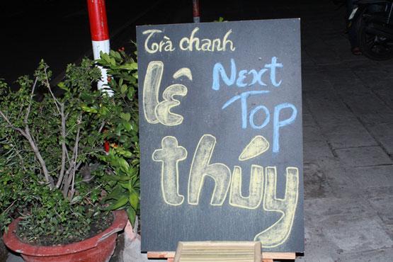 """4 quán trà chanh vỉa hè """"chém gió"""" của sao Việt 1"""