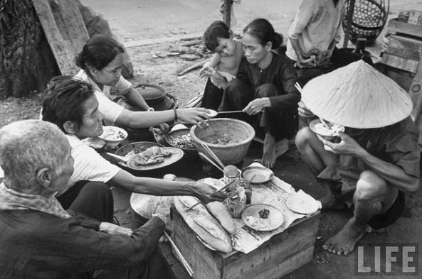 Gia đình Việt ngày ấy - bây giờ 3
