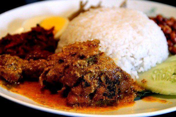Thịt bò rendang & sambal - Thưởng thức ẩm thực Indonesia