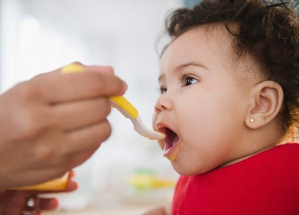 8 quy tắc tập ăn dặm mẹ nào cũng phải biết 1