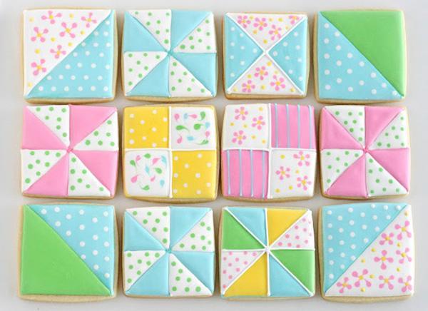 Những chiếc bánh màu sắc đáng yêu lấy cảm hứng từ khăn giấy.